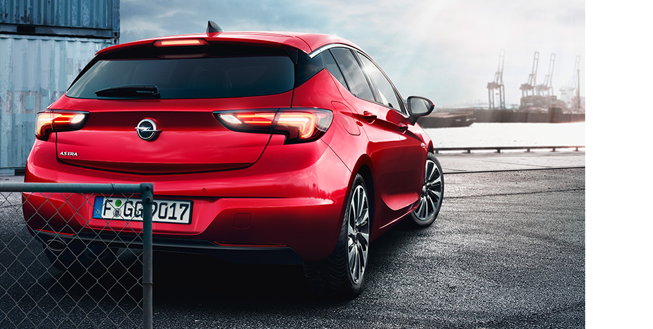 Opel_Astra_2015_Park_Assist_944x476_as16_e01_234
