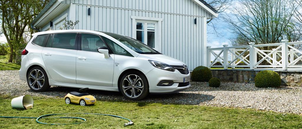 Opel Zafira Exterior 1024x440 Za17 E01 007