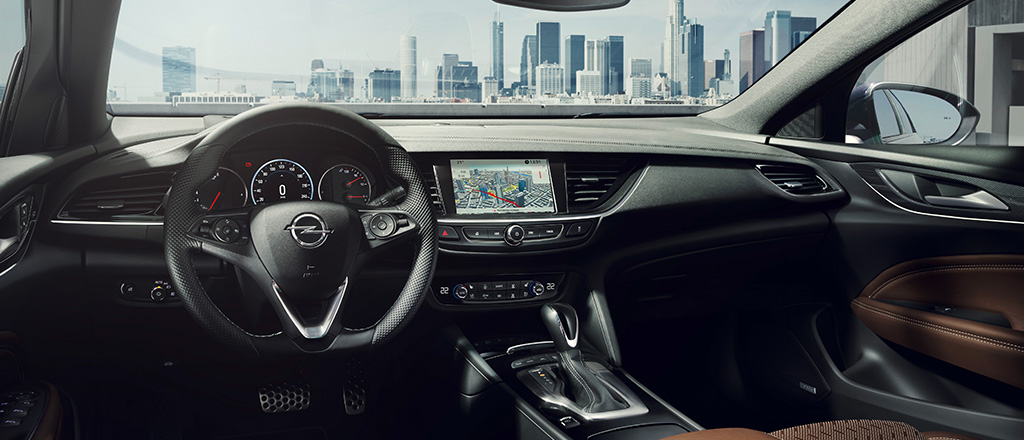 Opel_Insignia_Interior_1024x440_ins18_i01_031