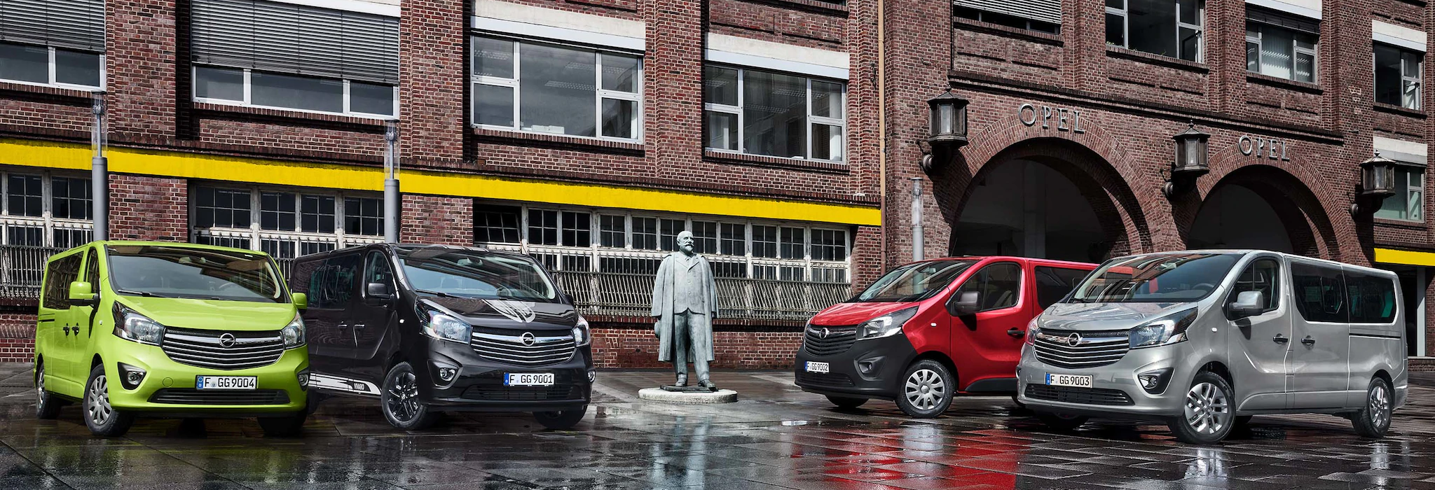 Opel_Vivaro_Tourer_Colors_21x9_vip18_e01_103