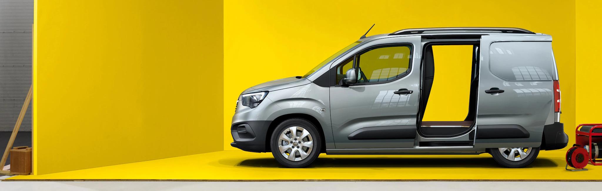 Opel_combo_cargo_exterior_21x9_cmc19_e01_002