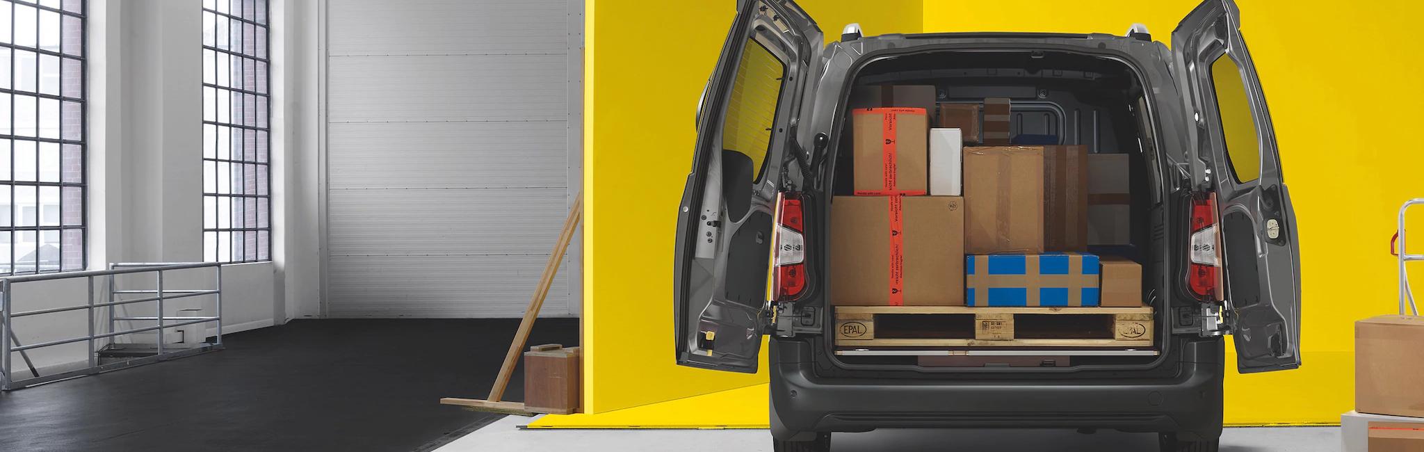 Opel_combo_cargo_space_21x9_cmc19_e01_003