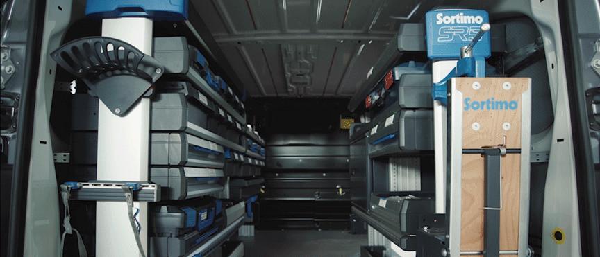 Opel_vivaro_loading_area_21x9