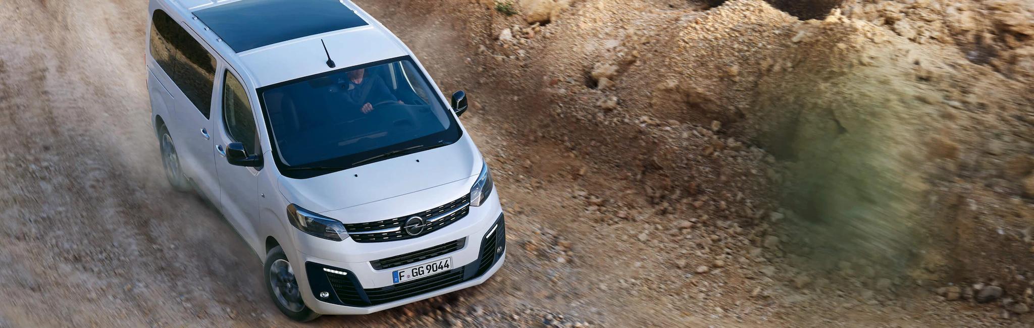 Opel_zafira_life_exterior_driving_21x9_zal195_e01_006