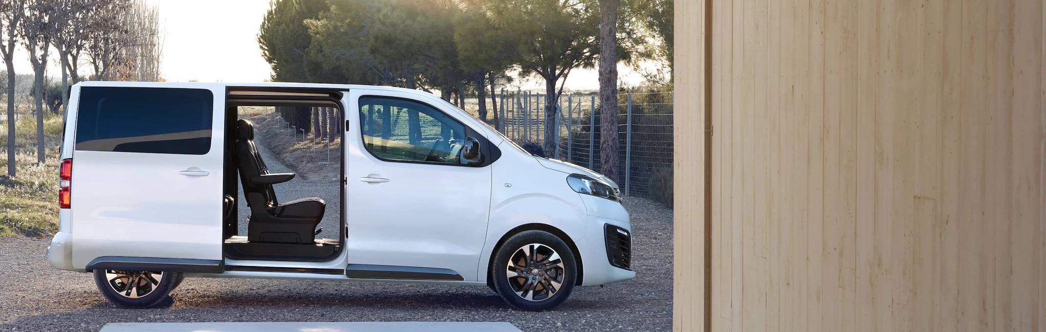 Opel_zafira_life_exterior_sliding_doors_21x9_zal195_e01_005