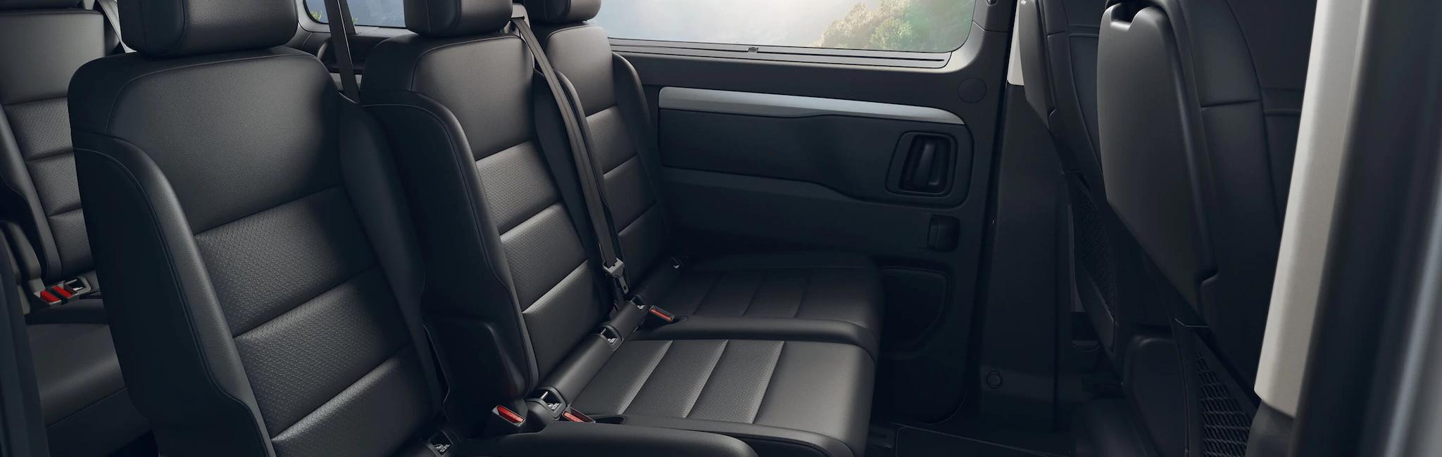 Opel_zafira_life_interior_seats_21x9_zal195_i01_013